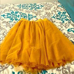 Cute mustard flowing skirt
